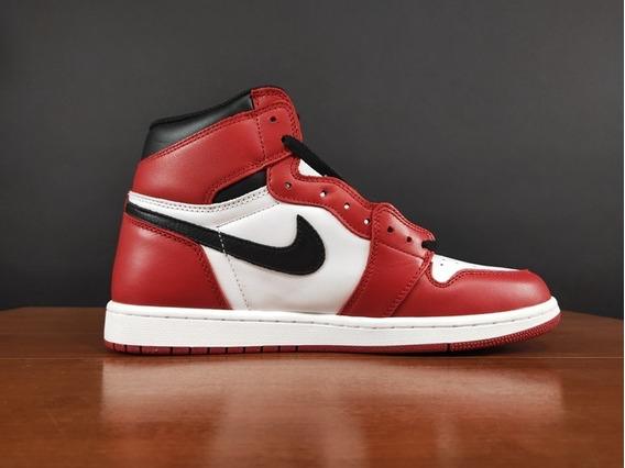 Tênis Nike Air Jordan 1 Chicago