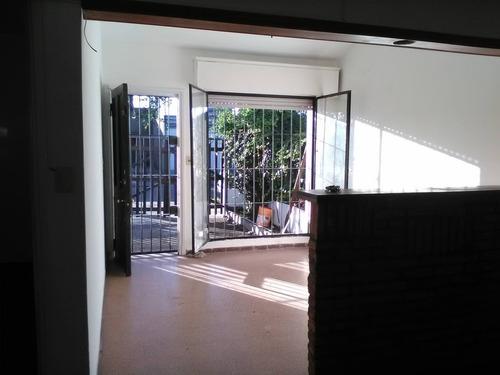 Casa 2 Dormitorios + Casa 2 Dormitorios Fondo En Bolivar