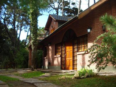 Casa A 1 Cuadra Del Mar Frente A La Reserva