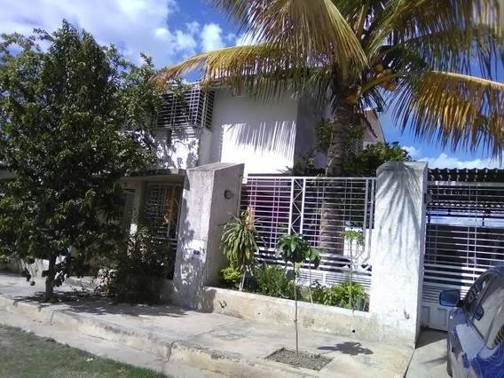 Vende Tonwhouse En Sta.cruz De Aragua Hjl 20-5883 Inversión
