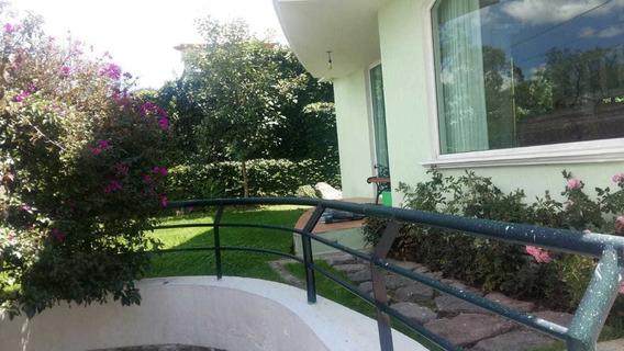 En Miravalle - Cumbaya Casa De Extranjero