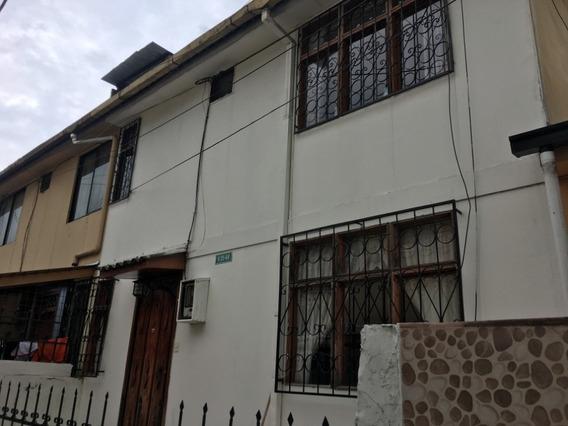 Casa Ubicada En El Sector De La Isla - Solanda