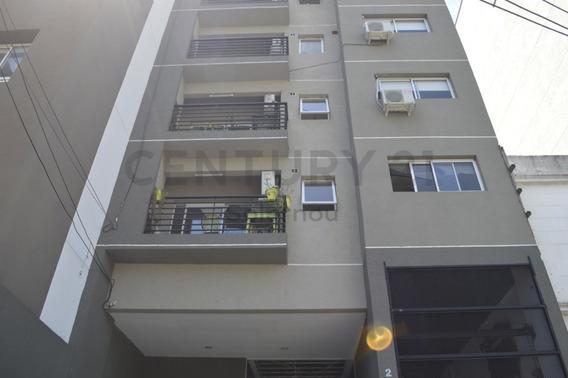 Venta De Departamento Nuevo 3 Ambientes Con Balcón Y Parrilla En Lanusita! 59m2