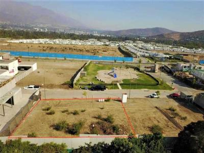 Colegio Huinganal / Av. La Dehesa