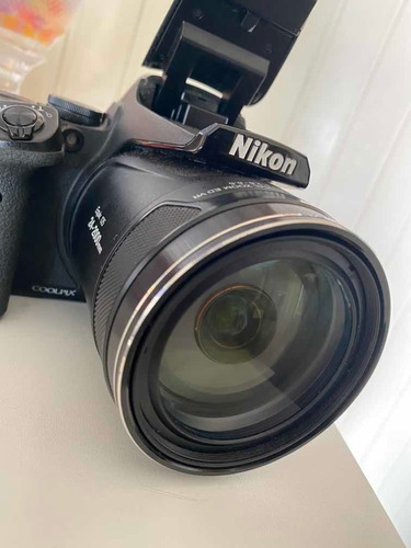Câmera Nikon Coolpix P900 83x