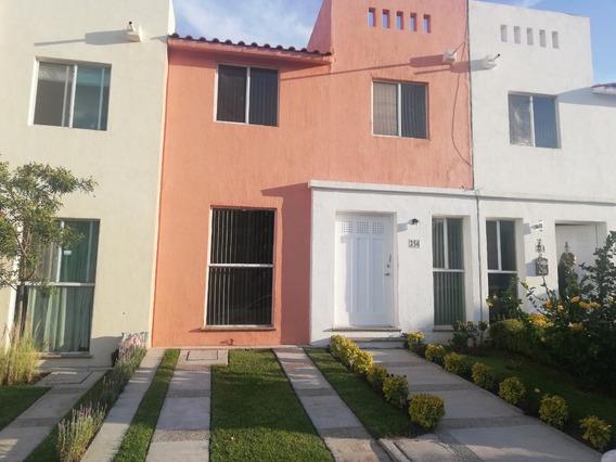 Casa Fracc El Palmar, Con Seguridad A 5 Mins De Plaza Mayor