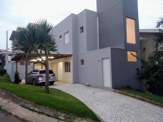Casa Condomínio 3 Quartos, 1 Suíte, Churrasqueira