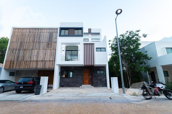 Casa En Venta En Cancun Arbolada