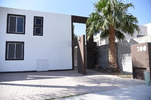 Casa Sola En Venta En Residencial Senderos, Torreón, Coahuila