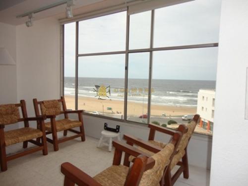 Apartamento En Peninsula, Monoambiente - Con Una Excelente Vista A Los Dedos Y Playa Brava. Consulte !!!!!-ref:1672