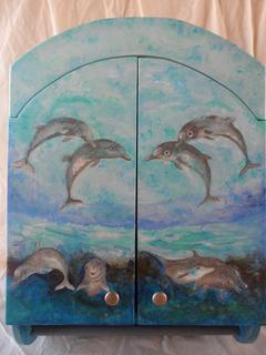 Alacena Azul Con Toallero Decorado Con Delfines En Laca Mate