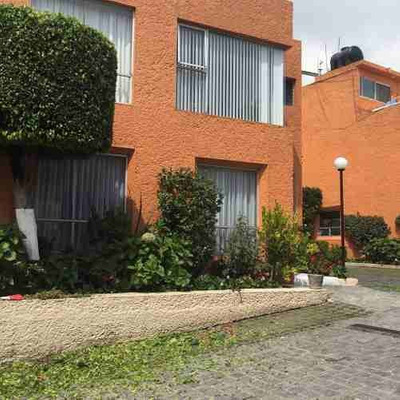 Casa En Venta En Condominio, La Presa. San Jerónimo Lídice