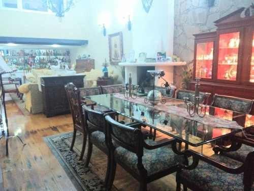 Casa En Venta En Lomas Del Sol Con 4 Recamaras.