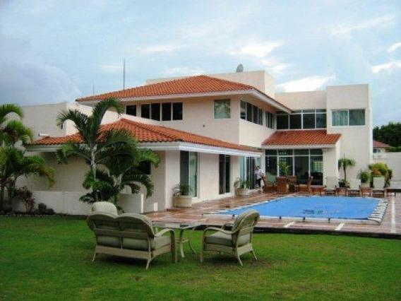 Hermosa Residencia En El Club De Golf,