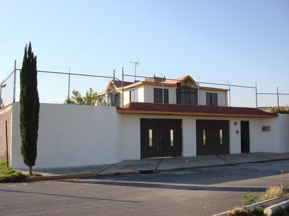 Hermosa Casa Con 4 Recamaras Amplio Jardin 500 M 340 Const.