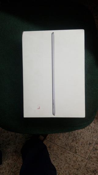 iPad 6 Apple, Tela Retina 9.7, 32gb, Cinza Espacial, Wi-fi