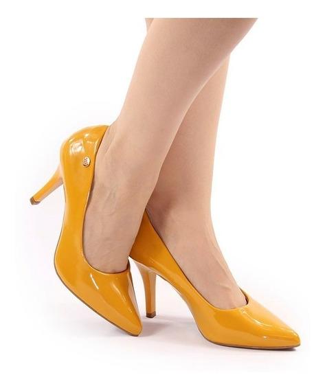Scarpin Salto Alto Bico Fino Amarelo Mostarda Verniz 9 Cm