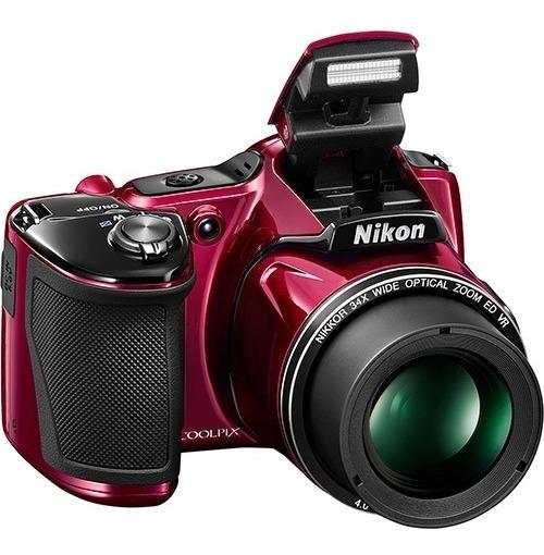 Câmera Semiprofissional Da Nikon E Um Carregador De Pilha