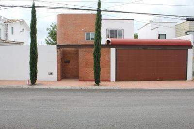 Casa En Juriquilla De 4 Dormitorios Y 312 Mts2! Qh