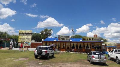 Cabaña En Barrio De Campo