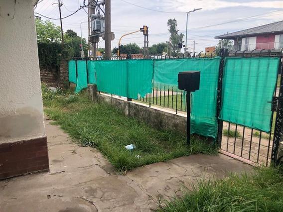 Venta Casa 2 Dorm. Los Hornos, La Plata. Calle 149 Y 60