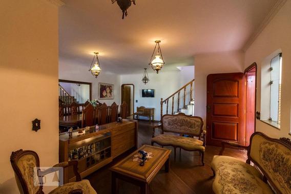 Casa Mobiliada Com 3 Dormitórios E 4 Garagens - Id: 892946808 - 246808