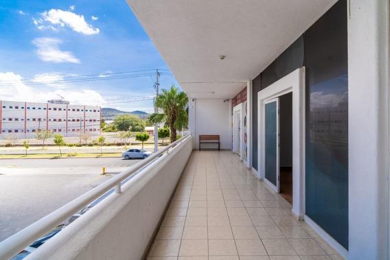 Local Con Excelente Ubicacion. Amarras, Juriquilla.