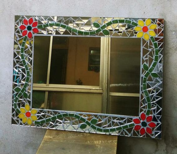Espejo Decorativo En Técnica De Mosaiquismo, Con Flores