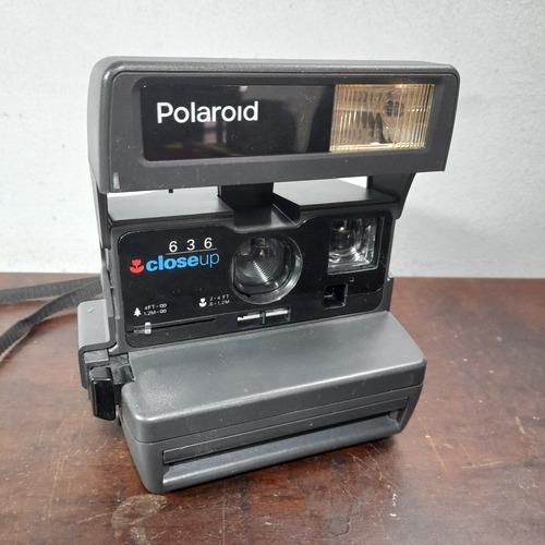 Imagem 1 de 5 de Câmera Polaroid Sem Testar No Estado Pra Decoração.