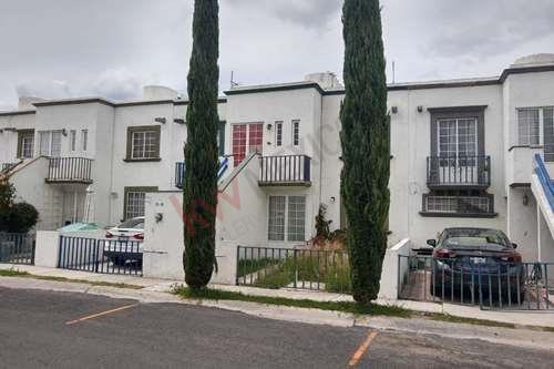 Casa Duplex En Renta En Conjunto Belen, Planta Baja, Entrada Independiente