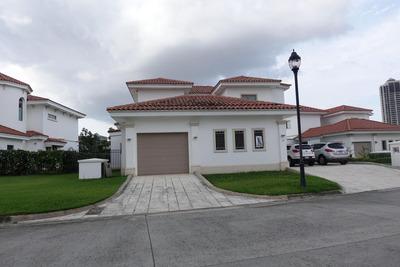 Espectacular Casa En Santa María 18-3443ml