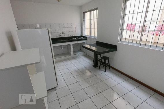 Apartamento Térreo Mobiliado Com 1 Dormitório E 1 Garagem - Id: 892946453 - 246453