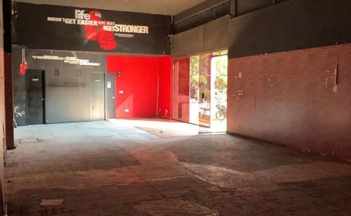 Imagen 1 de 4 de Local En Esquina De Plaza Comercial En Renta, Ajusco