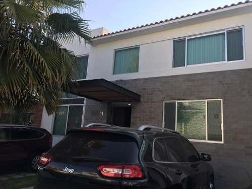 Se Vende Casa Seminueva En Fracc Cluastros Del Rio Sjr