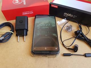 Moto Z3 Play, Com Caixa E Acessórios Mais 7 Brinde