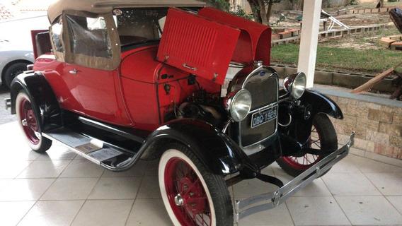 Ford 1928 Modelo A Vermelho Com Detalhes Em Preto Original
