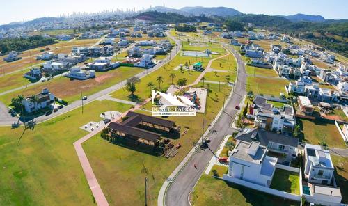 Imagem 1 de 7 de Terreno No Condomínio Caledônia Em Camboriú - 2300