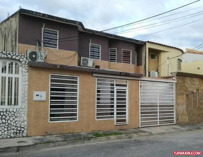 Casas En Venta Urb Villas Aragua, 04125317336