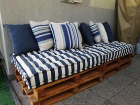 Sofá Em Pallet De Madeira E Futon Impermeável