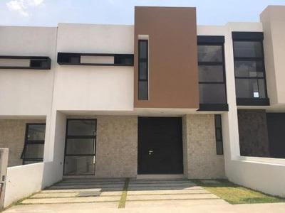 Casa Sola En Venta Residencia Ubicada En La Salida A Actopan, Privada.