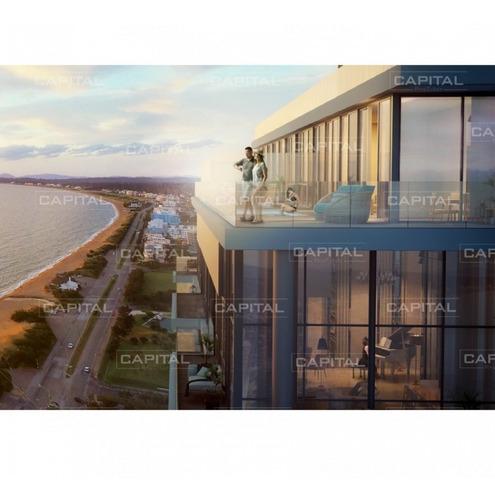Excelente Apartamento De Tres Suites Frente Al Mar - Punta Del Este- Ref: 30922