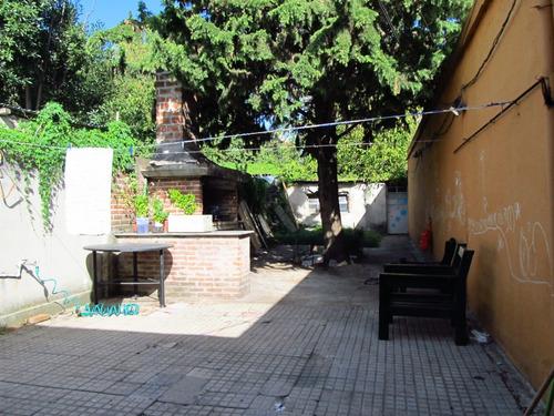 Casa En Venta De 3 Dormitorios Buceo Pu Con Fondo Y Jardín