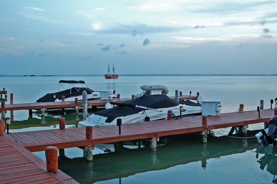 Hermosa Casa Frente La Laguna En La Mejor Zona De Cancun !!!