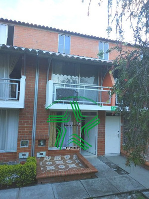 Vendo Barata Casa 3 Niv Sector La Villa Pereira