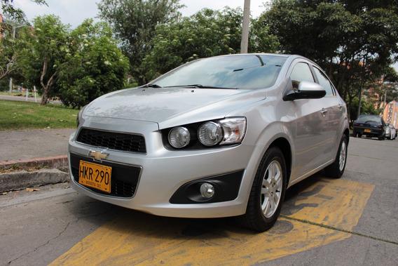 Chevrolet Sonic Lt Sedán - Mt - 2014 - Placa Par Bogotá