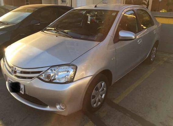 Toyota Etios Sedán Etios Sedan Xs 2015