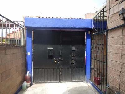 Se Vende Amplia Casa En Ixtapaluca, Sta Barbara.