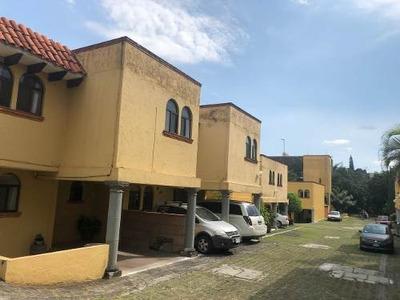 Casa Con Alberca En Venta En Condominio Bosques, Muy Cerca Del Puente 2000