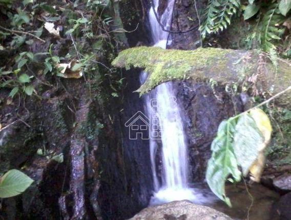Sitio Com Cachoeira Em Rio Bonito - Si0016