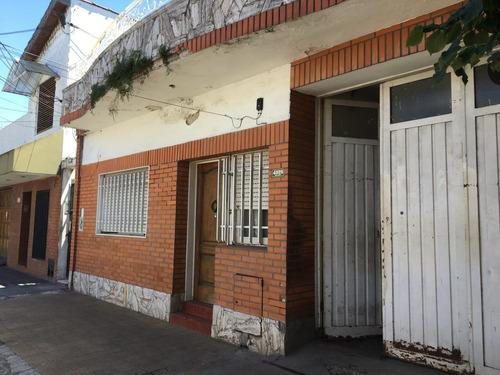 Casa 3 Ambientes Con Taller Y Quincho En Terraza